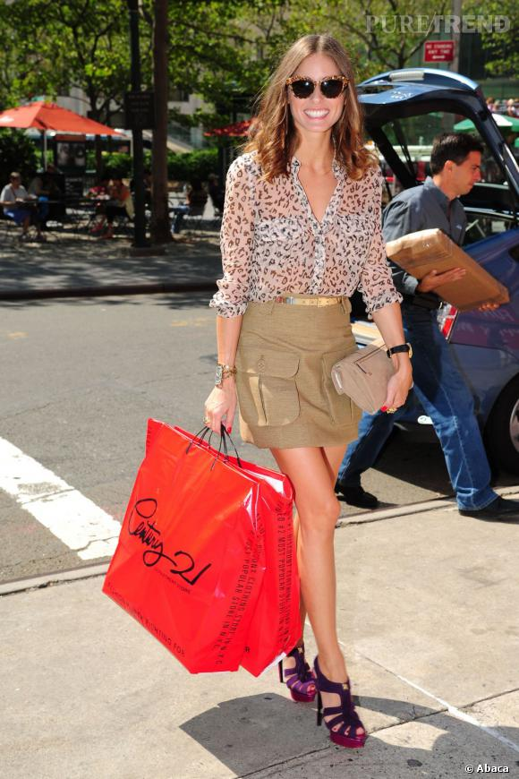 Olivia Palermo fait son shopping chez Century 21 à New York.