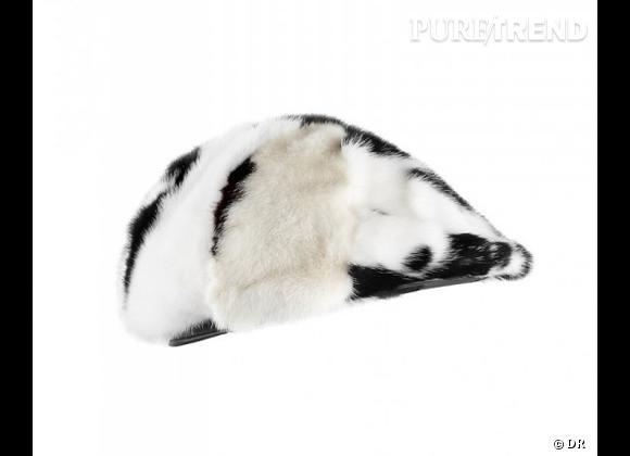 50 chapeaux pour cet Automne-Hiver 2011/2012 !     Chapeau casquette Burberry, 1195 €.