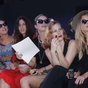 Les it-girls sont au rendez-vous chez Giambattista Valli pour le défilé Printemps-Eté 2012.