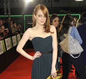 Le look du jour : Emma Stone, délicate vestale