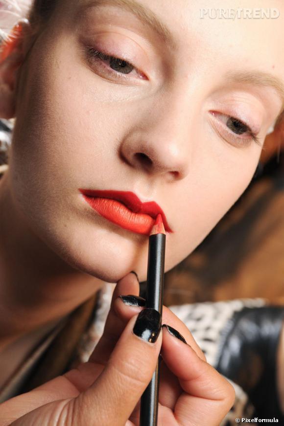 Maquillage bouche : mode d'emploi.