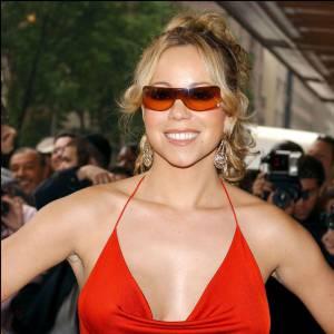 Mariah Carey et ses lunettes... Ses lunettes quoi.
