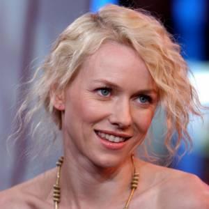 Naomi Watts, les cheveux gaufrés... N'importe comment !