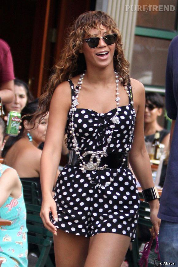 Beyoncé arrive à avoir des cheveux bouclés et raplapla en même temps. C'est ça le talent !