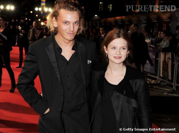 """Bonnie Wright et Jamie Campbell à l'avant-première d'""""Anonymous"""" à Londres."""