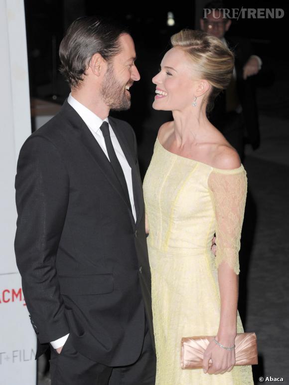 Avec son minois de poupée et ses yeux vairons, Kate Bosworth séduit tout Hollywood. Après le grand nordique Alexander Skarsgaard, elle s'affiche désormais au bras de Michael Polish, réalisateur. Le bonus ? Si elle s'en lasse, il lui restera Mark, son frère jumeau.