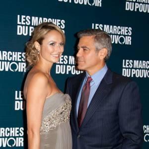 """George Clooney aime les beautés plastiques. Après la brune Elisabetta Canalis, place à la catcheuse blonde Stacy Keibler. Sans tatouage et plus gracieuse, elle forme avec """"Gorgeous George"""" un couple parfait."""