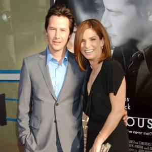 Depuis 17 ans, Keanu Reeves et Sandra Bullock étaient amis. Aujourd'hui ils formeraient le nouveau couple d'Hollywood. Entre Ryan Reynolds et Ryan Gosling, la jeune femme jouait les cougars, voilà qui est mieux ! Le bonus ? En 1995 ils avaient remporté le prix MTV Movie Awards du meilleur duo.