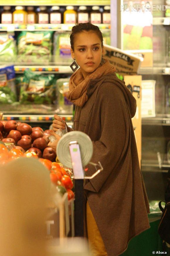 Jessica Alba, stylée pour faire des courses.