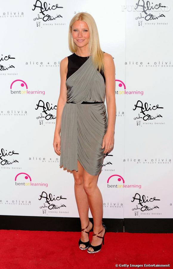 """Second tour de piste en Wang pour Gwyneth qui opte cette fois-ci pour le drapé avec une robe Croisière 2012 qui modernise le style """"déesse grecque""""."""