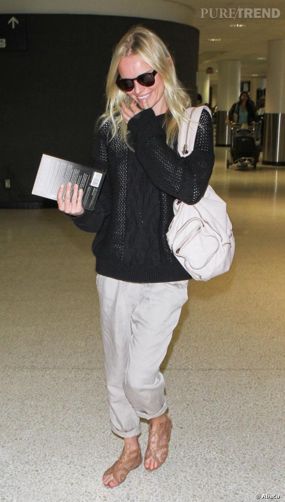 Kate Bosworth s'offre une petite touche régressive avec un sac à dos. Heureusement en choisissant le modèle Marti en cuir, elle est loin de ressembler à Dora l'exploratrice.