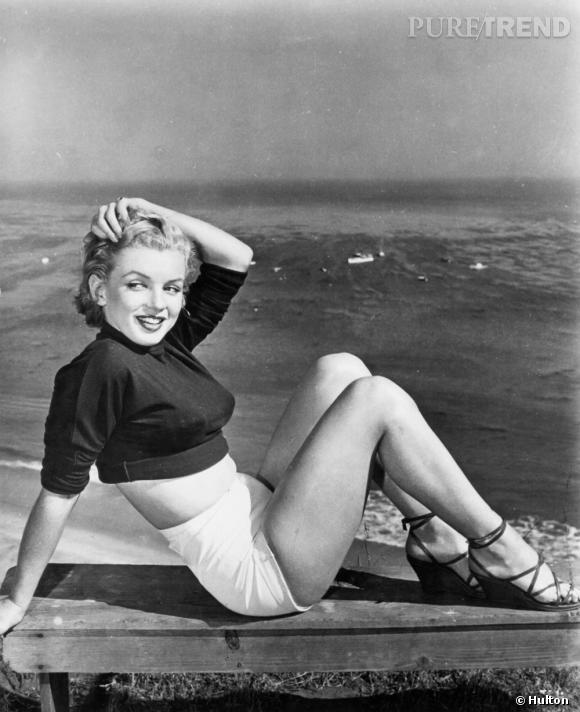 Marilyn à la plage, ou l'icône de mode casual avant l'heure.