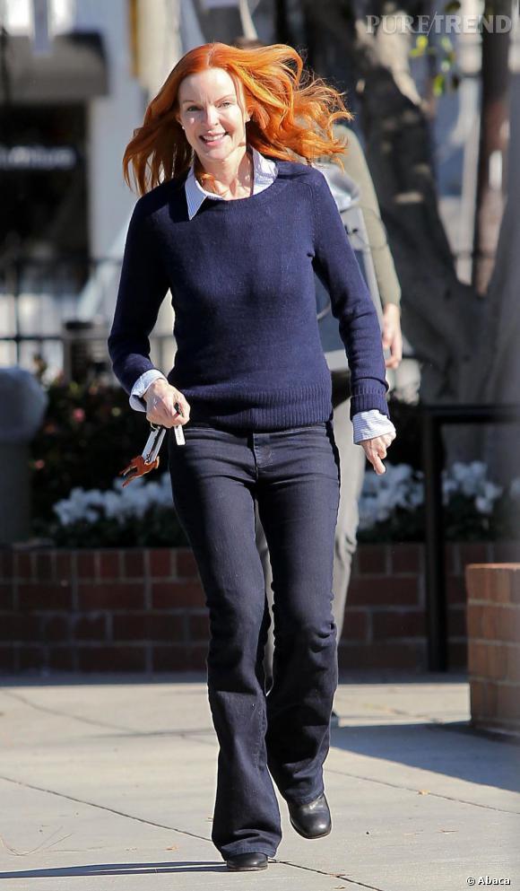 Marcia Cross, à Los Angeles, va chercher ses jumelles à l'école.