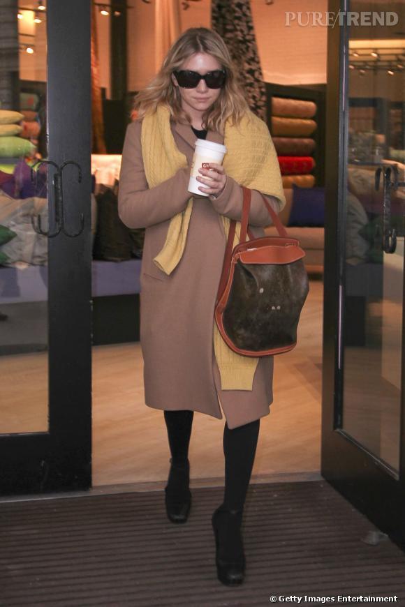 Ashley Olsen, mode, chic, et divine dans son boyfriend coat.