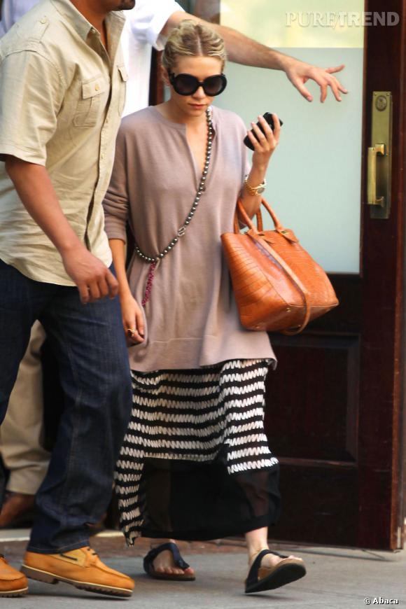 Ashley Olsen, super cool, ose les différentes couches et longueurs.