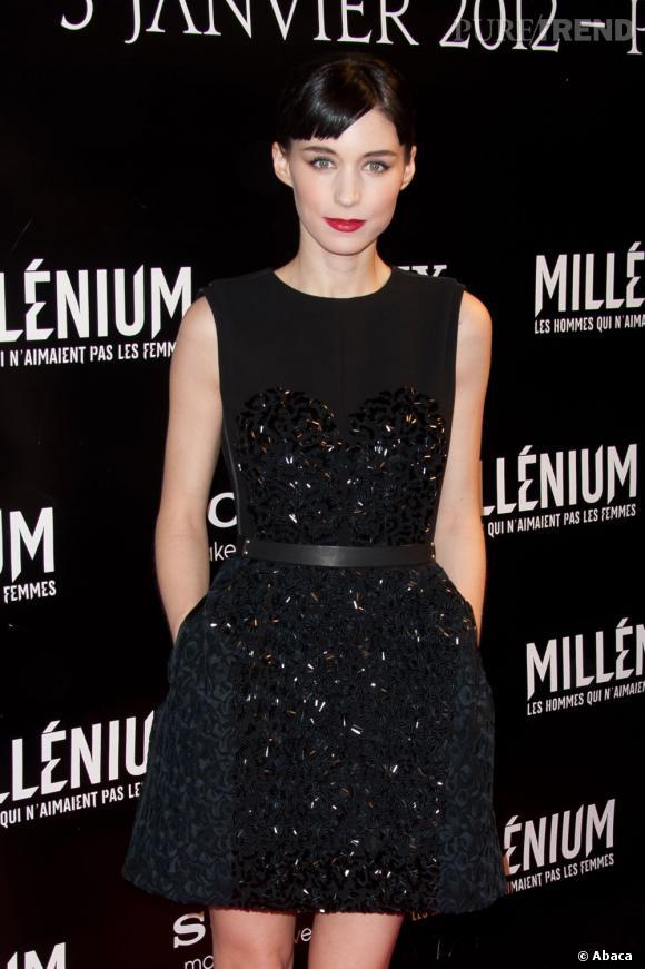 """Rooney Mara à la première parisienne de """"Millénium : l'homme qui n'aimait pas les femmes""""."""