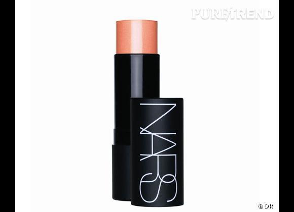 Le blush, détail bonne mine de notre maquillage.     The Multiple Orgasm, Nars. 40,50 €.