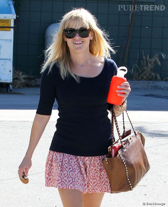 Reese Witherspoon, estivale dans les rues de Los Angeles.