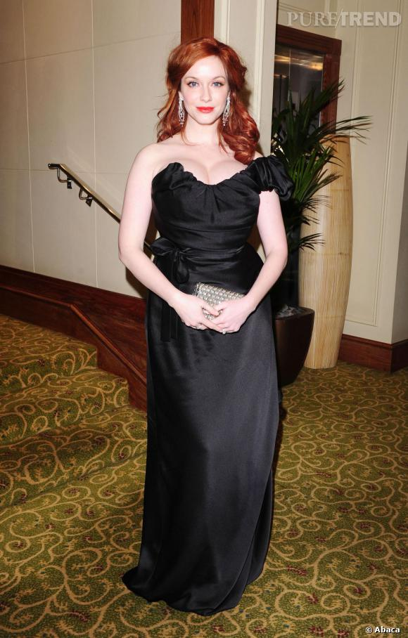 Dans sa robe Vivienne Westwood, Christina Hendricks est très glamour.