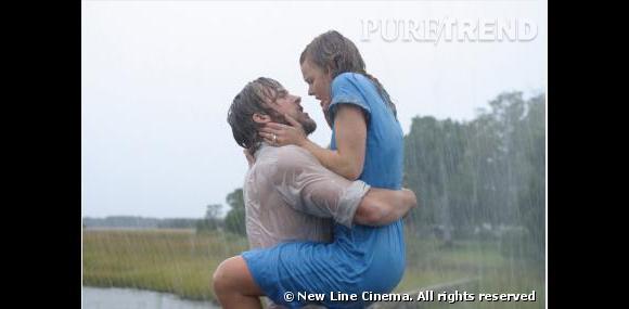 """Scène torride entre Allie et Noah dans """"N'oublie Jamais"""" et une phrase que l'on rêve toutes d'entendre """"Je t'ai écrit 365 lettres. Une par  jour pendant un an""""."""