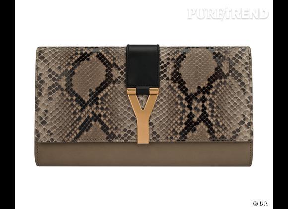 Les it-bags de cet été 2012 :   Yves Saint Laurent    Pochette python, 895 €.