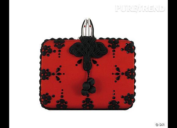 Les it-bags de cet été 2012 : Christian Louboutin     Pochette Sofia, 1695 €.