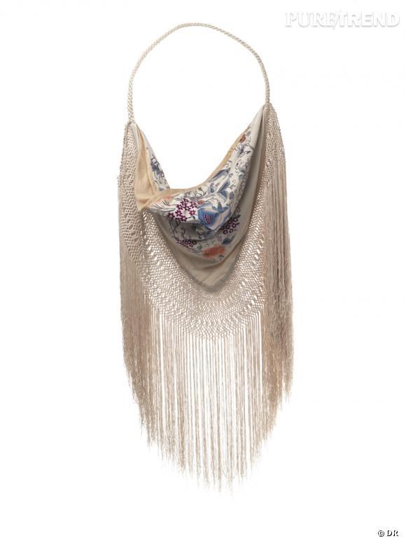 Les it-bags de cet été 2012 :   Ralph Lauren Collection    Sac vintage frangé, 1650 €.
