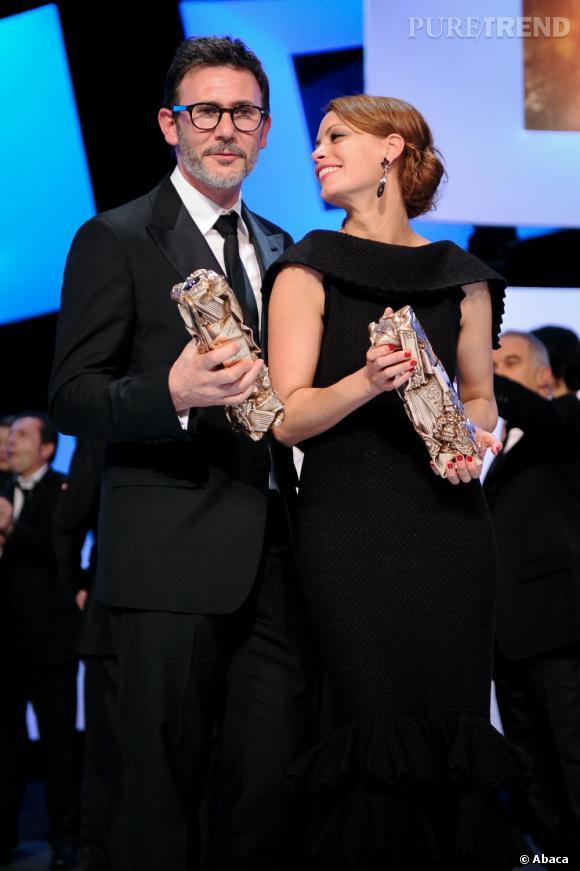 """Un couple heureux : Michel Hazanavicius, multi-récompensé pour """"The Artist"""" et Bérénice Béjo en Azzedine Alaïa, couronnée meilleure actrice."""