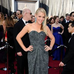 Busy Philipps mise sur une robe bustier.