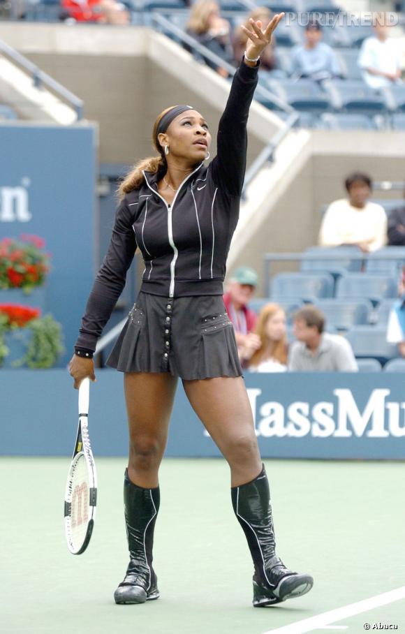 """Le flop """"look sur court"""" :  un peu trop conquérante, Serena Williams fait un peu peur. A moins que ce ne soit l'idée ?"""