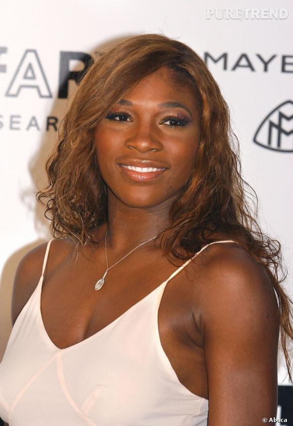 """Le top """"coiffure"""" :  couleur au naturel et ondulations flatteuses, Serena Williams a trouvé le style qui lui va."""