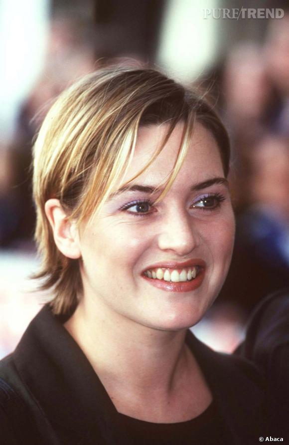 La coupe courte méchée de Kate Winslet n'est pas la coupe qui met le plus ses formes en valeur.