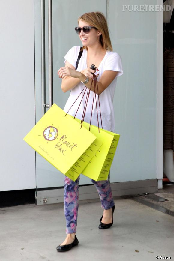 Emma Roberts, séance shopping à Los Angeles.