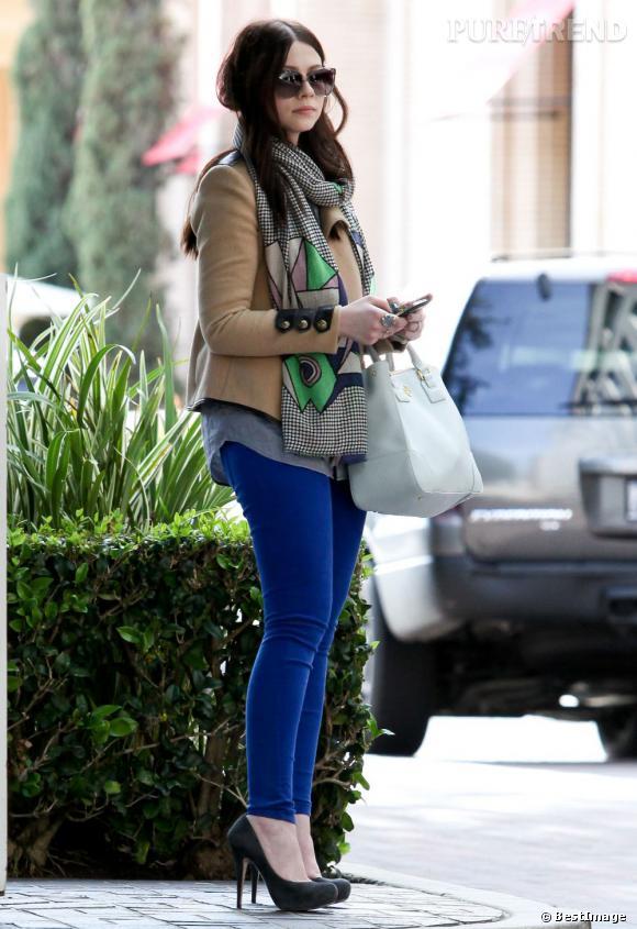 Michelle Trachtenberg très audacieuse sur les couleurs.