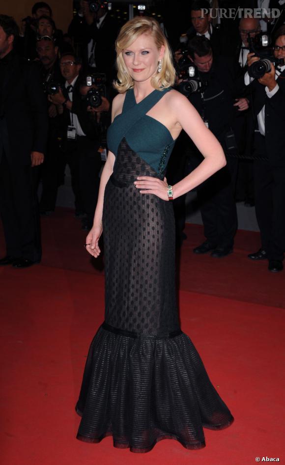 Kirsten Dunst dévoile son côté sirène branchée en Rodarte Automne-Hiver 2011/2012.