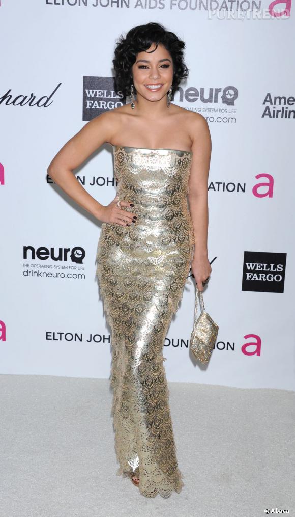 Vanessa Hudgens, une silhouette toute en écailles d'or George Chakra Haute Couture Printemps-Été 2012.