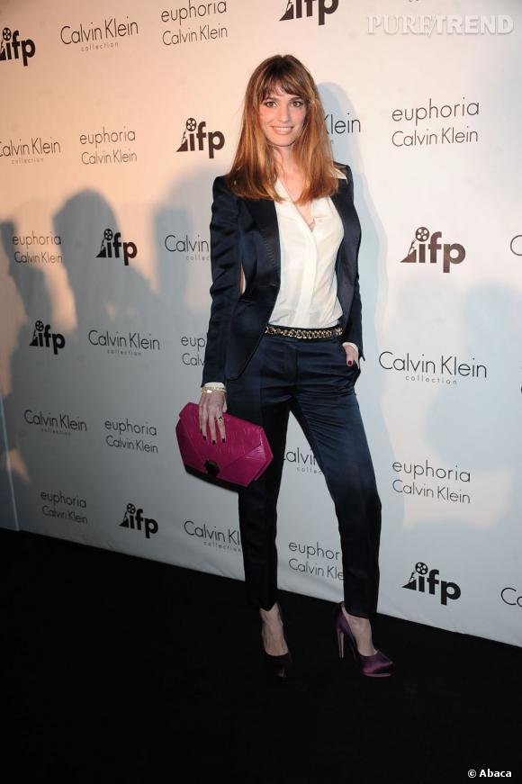 L'actrice brésilienne Gaia Bermani Amaral joue les fashionistas lors des soirées mode mais s'est montrée à la hauteur de son pays en jouant les bombes en robe seconde peau Roberto Cavalli à Cannes.