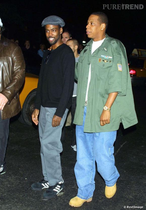 En 2001 :  Jay-Z affiche un look street army.
