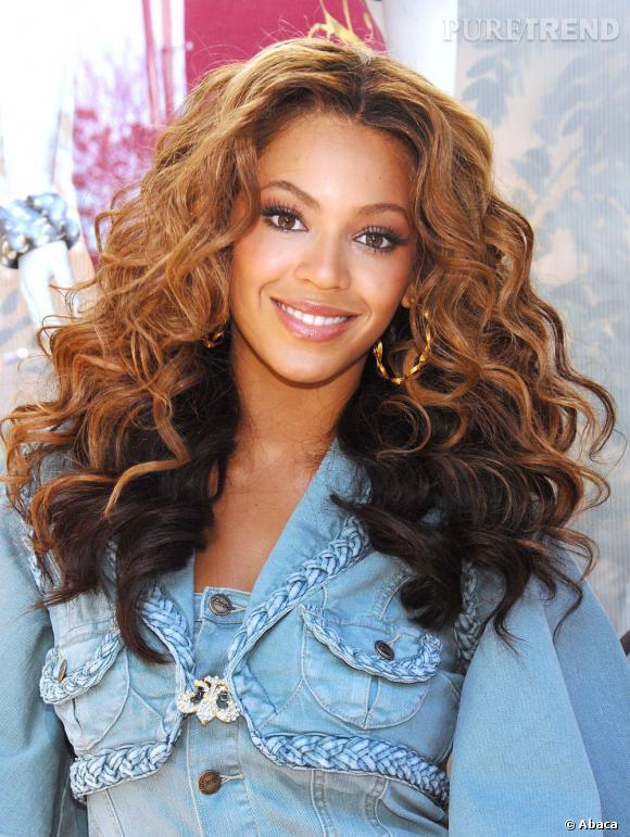 Beyoncé a la bonne coupe. Dommage qu'elle joue sur deux couleurs différentes.