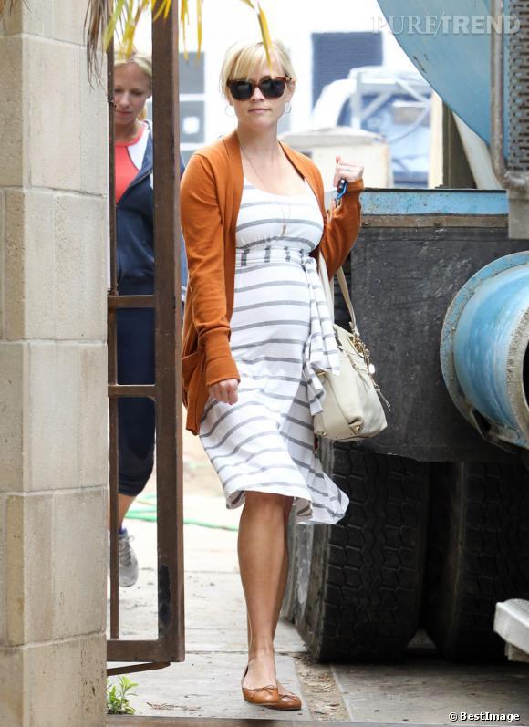 Reese Witherspoon à Bel Air va surveiller la construction de sa nouvelle maison.