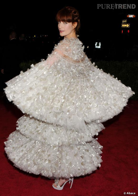 Florence Welch fait tourbilloner le pastel en Alexander McQueen.
