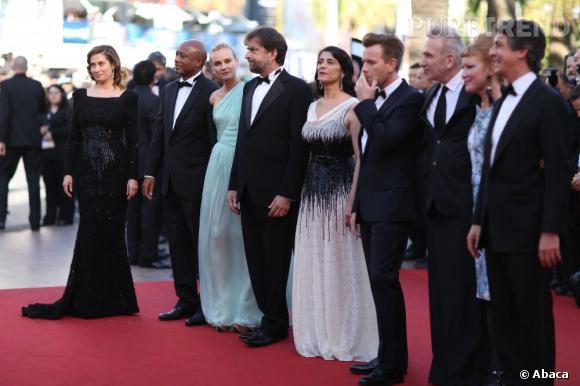 Le Jury 2012 monte les marches de cette édition 202 du Festival de Cannes.