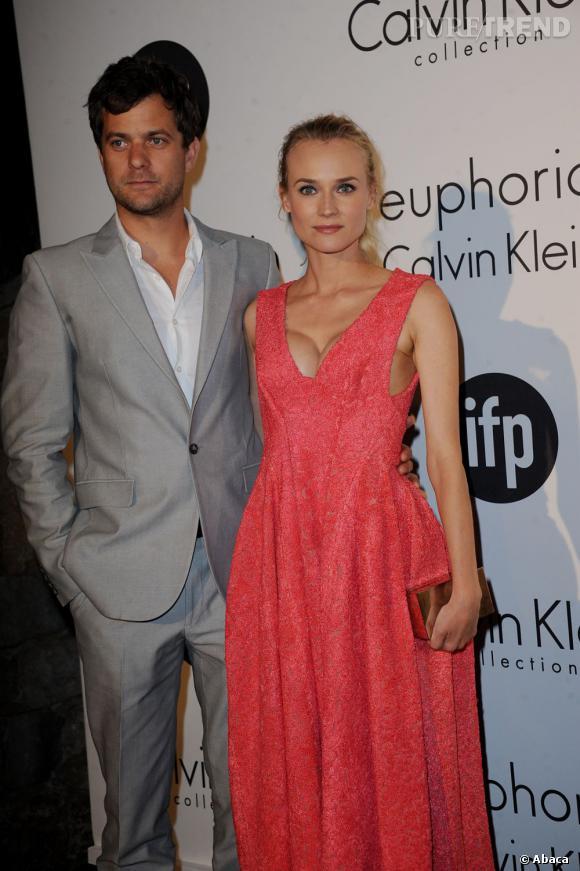 Diane Kruger porte une robe Calvin Klein Automne-Hiver 2012/2013.