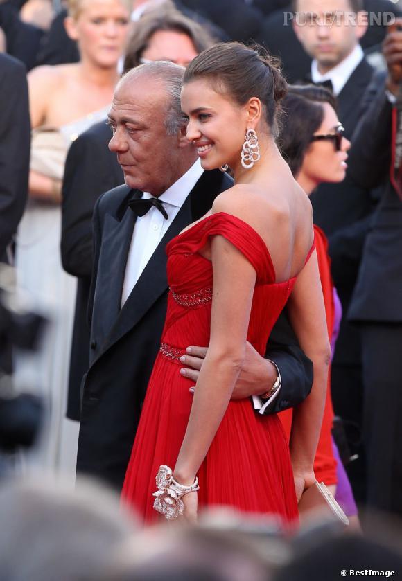 Irina Shayk joue les égéries de charme.