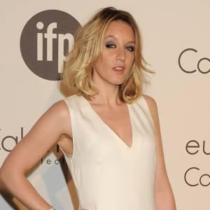"""A l'occasion de la soirée Calvin Klein, Ludivine Sagnier est apparue avec un bracelet """"Serpenti"""" en or blanc et pavé diamants signé Bulgari."""