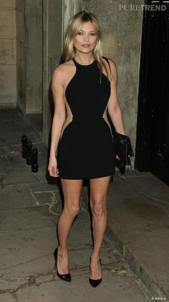 La brindille n'a pas changé et à 38 ans, Kate Moss affiche toujours une silhouette ultra-mince. De quoi nous titiller et nous donner envie de lui coller 3 kilos en plus, histoire de voir.