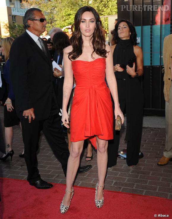 """Megan Fox, c'est la star de """"Transformers"""" qui faisait saliver tous les mâles aux alentours. Depuis, il y a eu un régime de trop et la chirurgie esthétique. Si elle ne peut pas retrouver son visage d'autrefois, elle peut en revanche reprendre un peu de poids."""