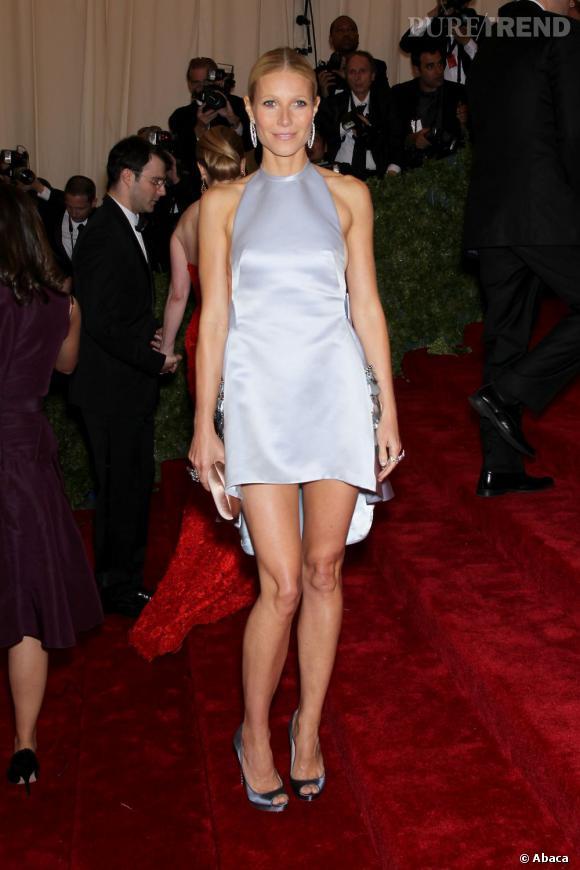 Les années passent et les gambettes de Gwyneth Paltrow ne prennent pas un gramme. À croire que le temps et les grossesses n'ont aucune prise sur l'actrice. Pour la peine, on lui colle 3 kg de plus.