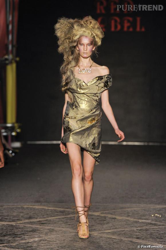 La tendance gold vue sur les podiums Printemps-Eté 2012 :  Défilé Vivienne Westwood Red Label