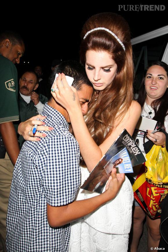 Lana Del Rey avant son concert au El Rey Theatre à Los Angeles.